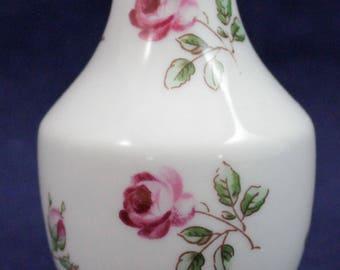"Richard Ginori Italy Bud Vase White Miniature Floral 3 1/8"""