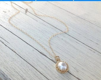 SALE Gold necklace, gold pearl necklace, wedding jewelry, simple gold necklace, white pearl necklace, fresh pearl pendant,bridesmaids gift-