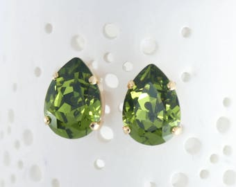 Green earrings  | Green stud earrings | Swarovski Olivine | gold stud earrings | gold earrings | green tourmaline | olive green wedding