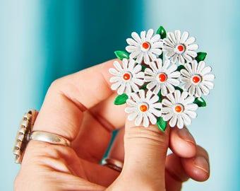 Vintage 60s Enamel Flower Pin - Vintage Daisy Pin - Mid Century Flower Brooch - Daisy Cluster Pin