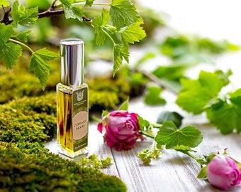 Currant mood, natural eau de perfume, fruity chypre with black currant bud, tomato leaves, jasmine, rose,oakmoss, vetiver, labdanum Flacon