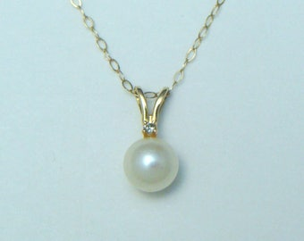Vintage 14K Yellow GOLD 5mm DIAMOND Pearl Pendant NECKLACE 19.5""
