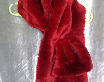 Scarf in red faux fur lined red wool crepe