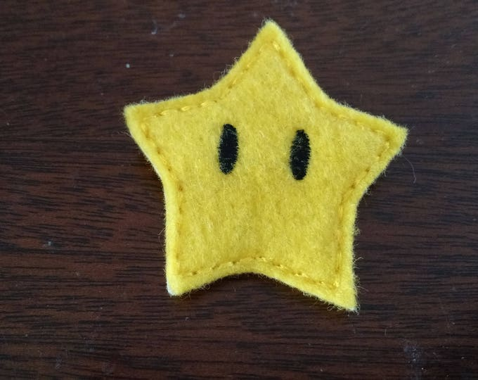 Felt Embroidered Pin - Mario - Super Star