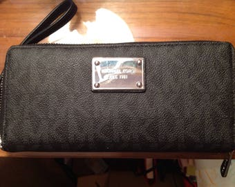 Michael Kors Black Clutch Wallet