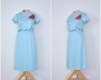 summer sale // 20% off // vintage robin's egg blue dress // 1970s simple blue poinsettia dress // medium