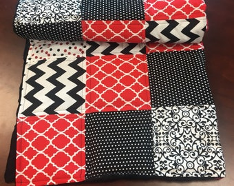 Patchwork Baby Quilt, Baby Quilt, Baby Balnket, Baby Boy or Girl  Quilt, Red and Black Quilt, Minky Baby  Quilt, Baby gift, Baby Shower Gift