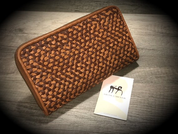 The PERFECT Wallet Weaved by Hand Iphone X or 8 Plus Leather Walllet Genuine Leather with Zip fastener made in Italy col NUT & DARK