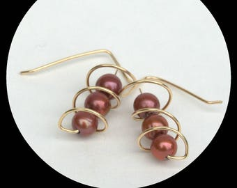 Corkscrew earrings with chocolate brown pearls