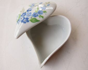 Limoges 1956 Blue and White Floral Heart Box