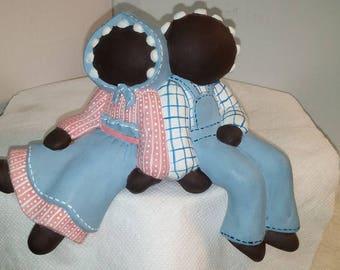 Ceramic Faceless Twin Shelf Sitters