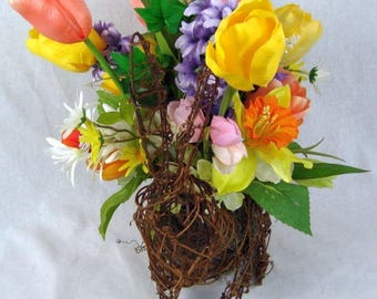 Grapevine Bunny Floral Centerpiece, Easter Centerpiece, Bunny Decor, Holiday Centerpiece