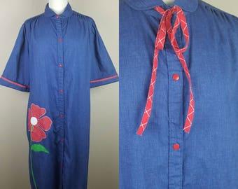 Vintage 1980s house coat robe denim chambray red flower daisy plus size dress