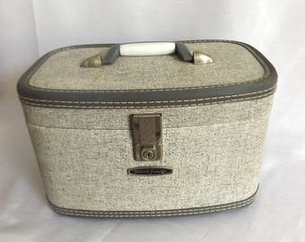Vintage Train Case - Gray Tweed w Beautiful Red Interior - Mid Century Luggage - Cosmetic Case - Travel Case - Luggage - Overnight Bag