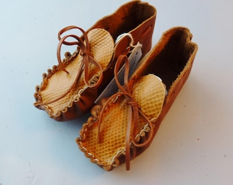 Toddler size moccasins made with soft pliable cowhide leather, regalia, native shoes, native american,