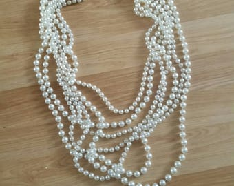 Elegant Beaded Necklace do go with special dress or special friend