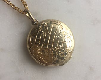 Vintage Gold Locket Pendant Necklace