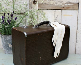 Vintage Luggage / Vintage Suitcase / Suitcase / Luggage / Old Suitcase / Home Decor / Retro Suitcase / Vintage / Travel Case