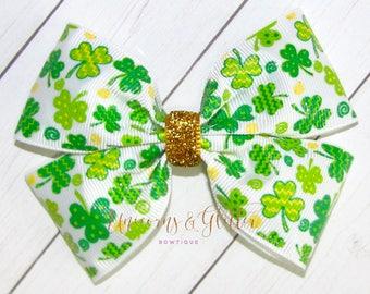 READY TO SHIP! St. Patricks Day Bow, Green Shamrock Hair Bow, St. Patty's Day Hair Bow, St. Patrick's Outfit, ShamrocksBow, St Patricks day