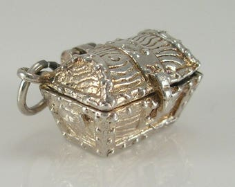 Vintage 3D Sterling Silver Treasure Chest Charm.Opens