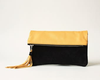 Clutch in Yellow - Suede + Leather