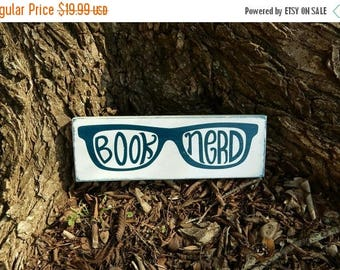 Book Nerd wooden sign, Blue and White, Shabby Chic, Dorm/Apartment/Home Decor, Teen Decor, Geek, Geekery, Nerd, Hipster, Library decor
