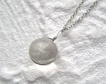 Silver tone chain flower