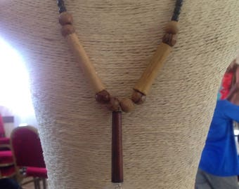 Wooden necklace with a glass bulb and Pearl Necklace for femmeMis inside long ethnic style