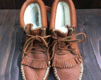 Vintage handmade leather and shearling moccasin boots size 8 1/2