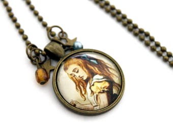 """Vintage """"alice in Wonderland of"""" glass cabochon necklace with star charm - retro bronze brass"""