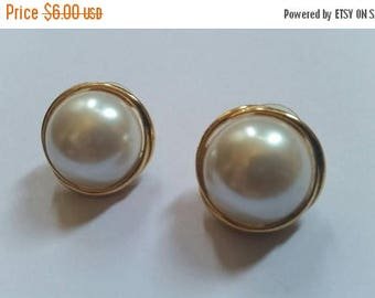SALE Vintage Earrings Gold Pearl Costume Jewelry