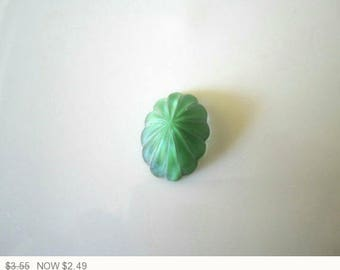 ON SALE Vintage Green Givre Fluted Glass Cabochons Green Givre Glass Stone Green Givre Fluted Glass Stones 18x13mm (1 pc) 37V5