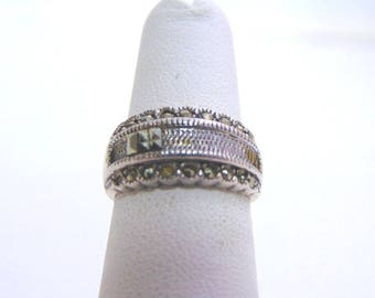 Women's Vintage Estate .925 Sterling Silver Ring 4.0g E1312