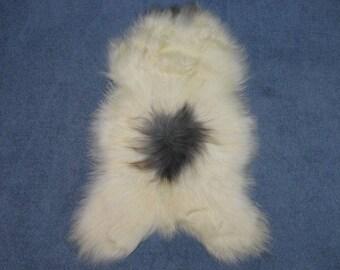 Dyed Icelandic Sheepskin: Piebald(7-204-G228)