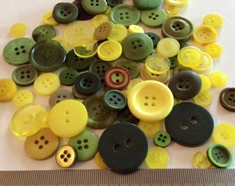 Mix of 100 buttons of various sizes (Ref.MIX44)