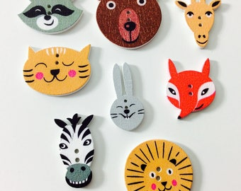 8 wooden animal buttons