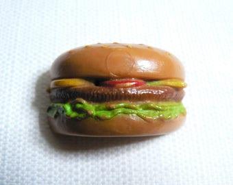 Cute / Kawaii - Vintage 80s Food / Cheeseburger Pin / Button / Badge