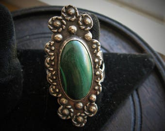 Stunning Vintage Sterling Silver Malachite Ring, Native American Artisan, sz 8.5, weight, 9.7 grams