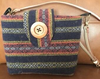 Wool crossbody handbag with Norwegian pattern