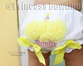 1st Birthday Bloomers, first birthday diaper covers, birthday bloomer, Cupcake diaper cover, Yellow birthday nappy cover, Cake Smash Bloomer