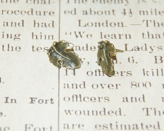 2 support of post earrings bronze 13x17mm grape leaf