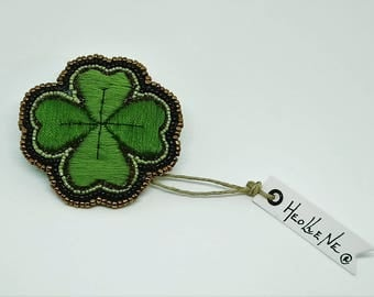 Clover, clover brooch, lucky, lucky charms, jewelry, gift for her, gift for him, St. Patrick's day, embroidered brooch