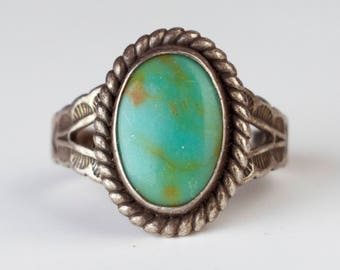 Vintage Turquoise Stone Oval Ring Round Gemstone Rope Halo Art Deco Sterling Silver Bezel Set Jewelry Size 5.25