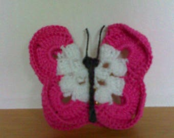 Set 3 butterflies in fuchsia pink and white cotton crochet