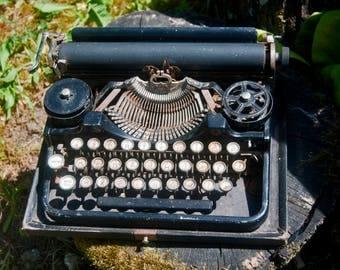Vintage black typewriter underwood - Little old typewriter 1920's - Portable writing machine bank - Industrial decor - Small machine
