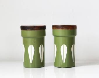 Cathrineholm salt and pepper shakers lotus white and avocado green