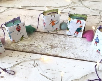 Vintage Book Bunting, Tiny Bookish Garland, Bookstagram Accessories, Mixed Media Christmas Decorations, Retro Book Banner, Miniature Decor