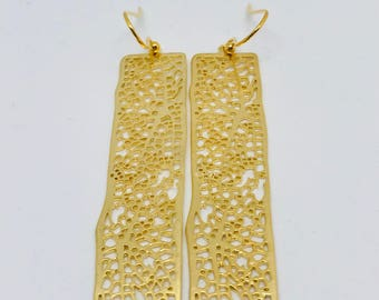 Webbed rectangles earrings