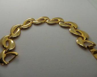 Gold link bracelet , Vintage costume jewelry, vintage bracelet