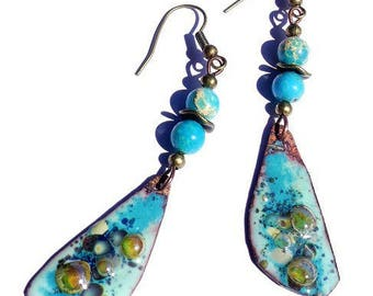 Earrings with turquoise enamel pendants, blue mother of Pearl and yellow gold